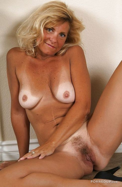 small nude tan girls