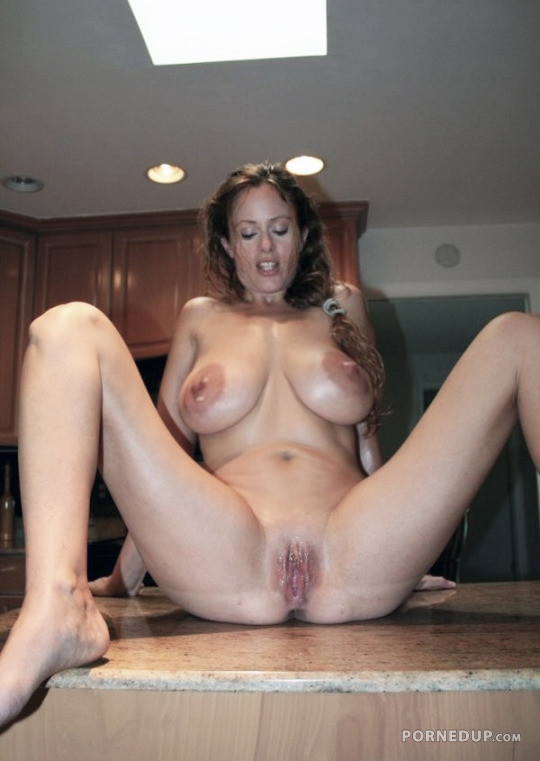 Big tits milf photos