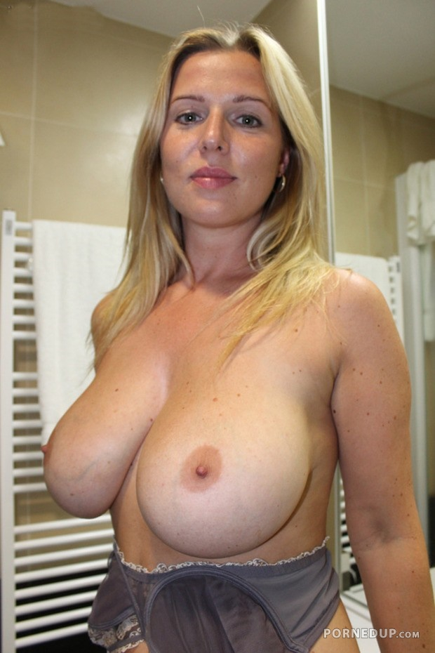 Blonde milf big jugs