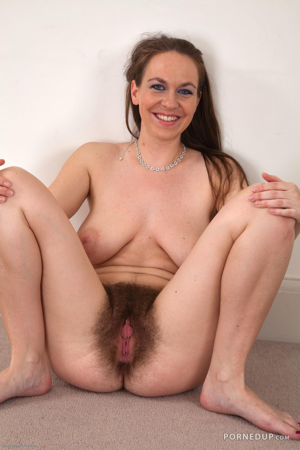 mature woman fucking girl