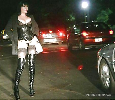 Проститутки на метро динамо является проституткой