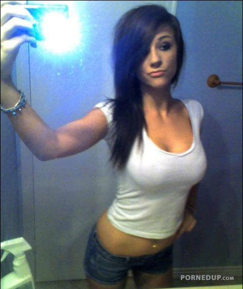 Hot Busty Teen Takes Selfie - Porned Up-7363