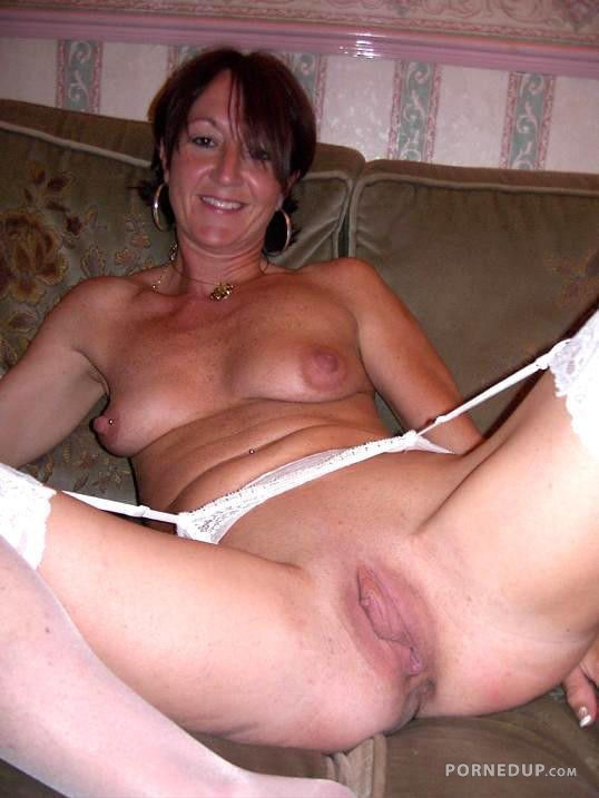 Housewives mature over 50 porn gallery with you