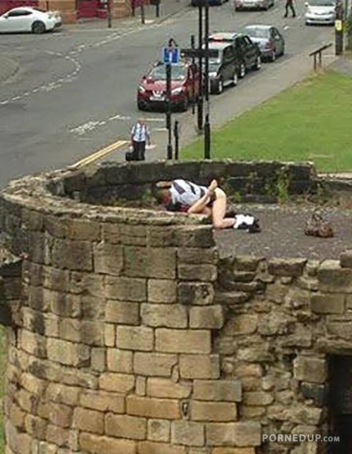 Couple Caught Fucking On Historical Tower