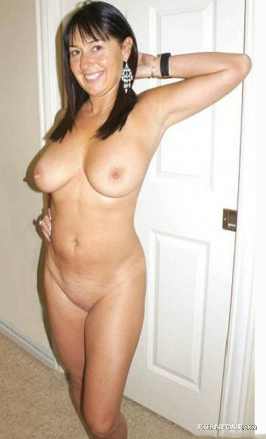 hot girl nude begging to be fucked