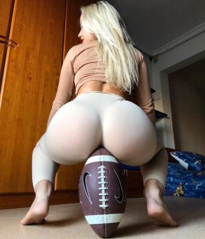 Big Round Ass vs Football