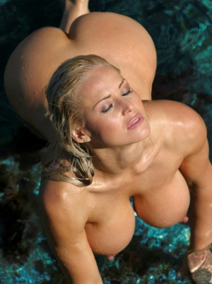 big tit blonde with big ass in the water