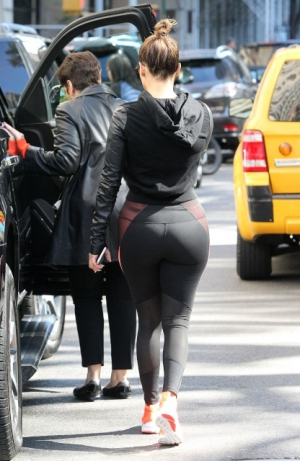 Jennifer Lopez Big Butt in street