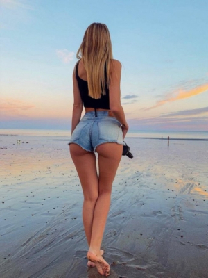 Perfect Butt In Tiny Shorts