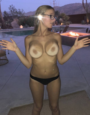 Tits Squeezed To The Window