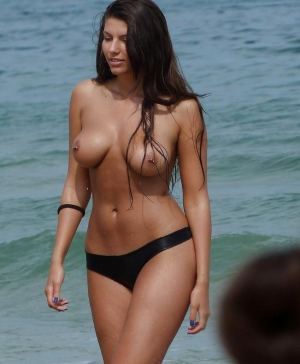 Huge tits spotted at nude beach
