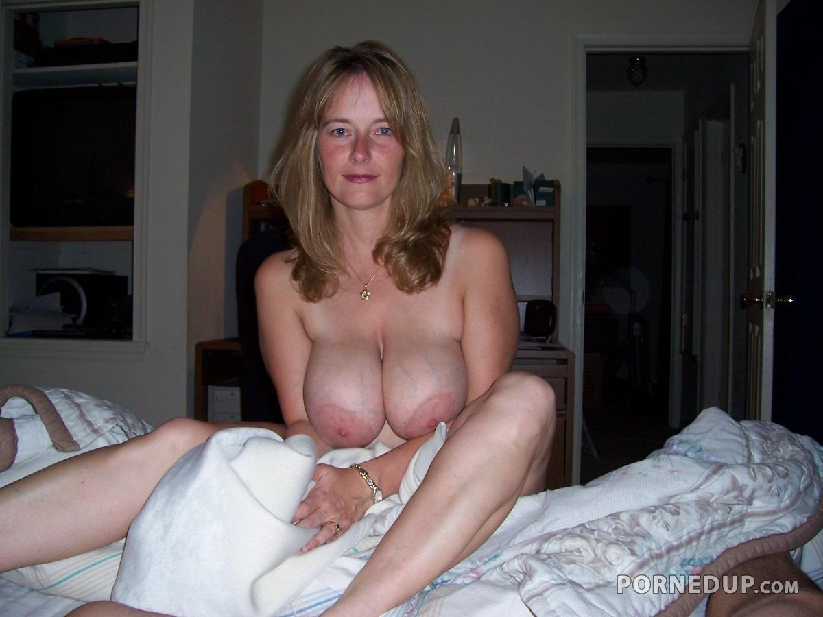 Milf with girls friend and naked bed sexy pics confirm